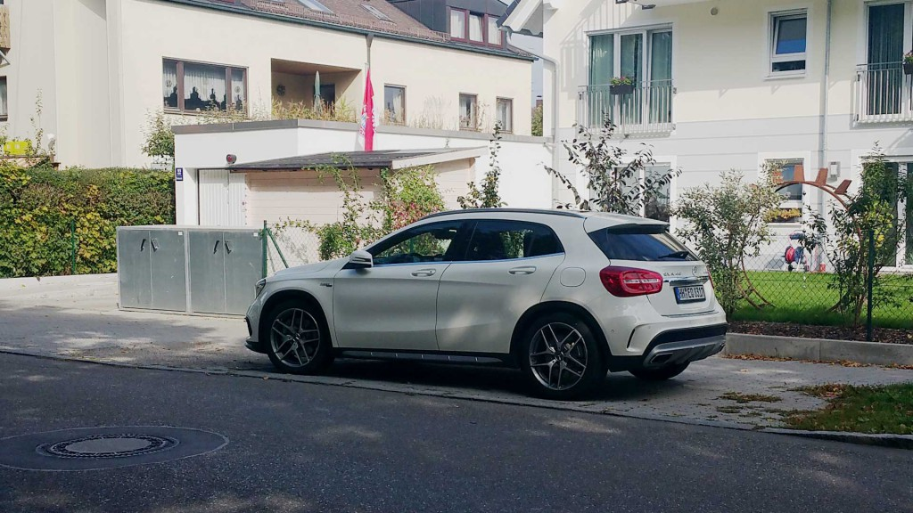 Mercedes Benz GLA 45 AMG in weiß